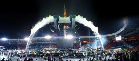20090818-U2-stage